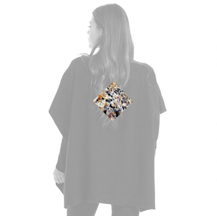 Crystal Poncho Two Back Edelsteine