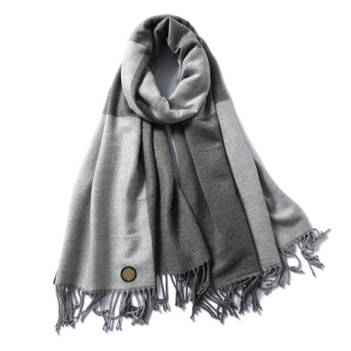 Crystal Schal Three Grey